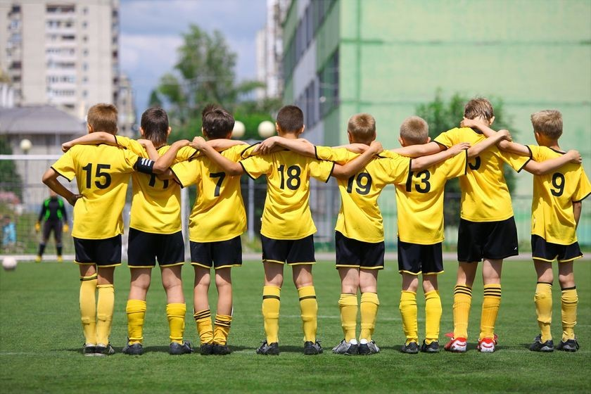 It's National Youth Sports Safety Month: Keep Your Kids Injury-Free With These 10 Tips
